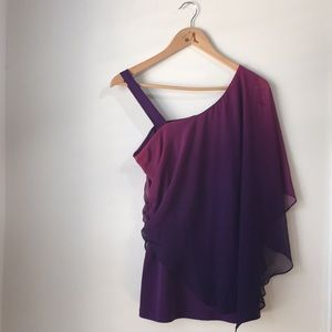 LE CHATEAU Stunning Purple Top!